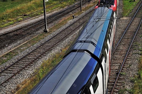 Cestovanie vlakom zadarmo do školy